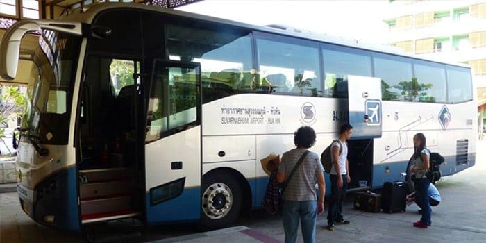 Viaggiando sull'Autobus Bangkok-Hua Hin