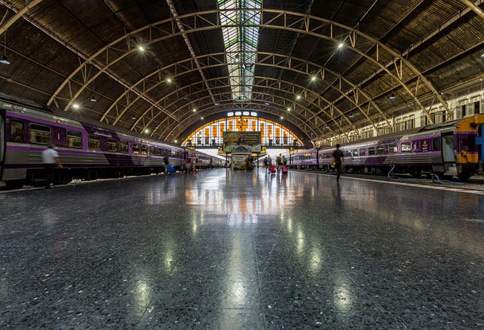La stazione ferroviaria di Hua Lamphong a Bangkok