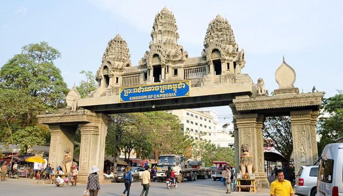 Da Bangkok alla Cambogia in Autobus