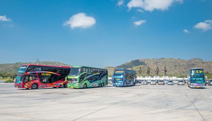 Bus turistici in Tailandia
