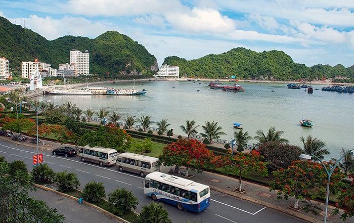 Tour Organizzati da Hanoi a Baia di Halong