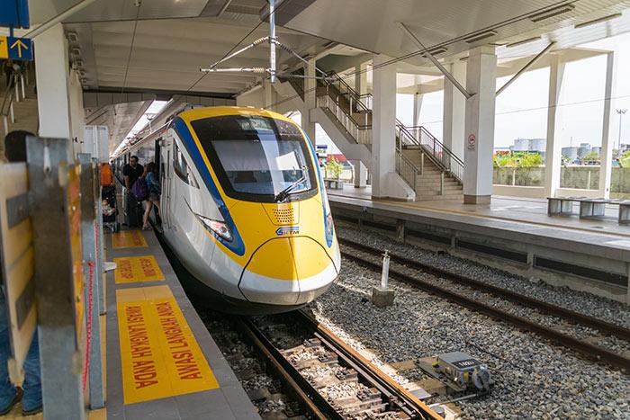KTM opera treni ad alta velocità ETS in Penang