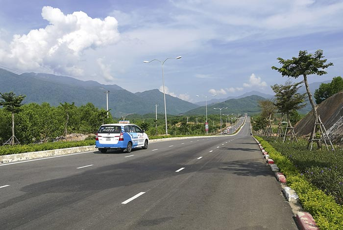 Andare da Da Nang a Hue in Taxi