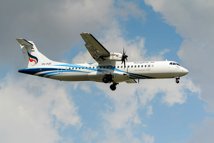 La Bangkok Airways use un aereo a elica per la rotta Bangkok-Sukhothai
