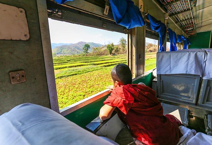 Treni da Yangon a Mandalay