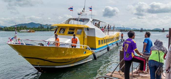 Traghetto ad alta Velocità da Phuket a Koh Lanta