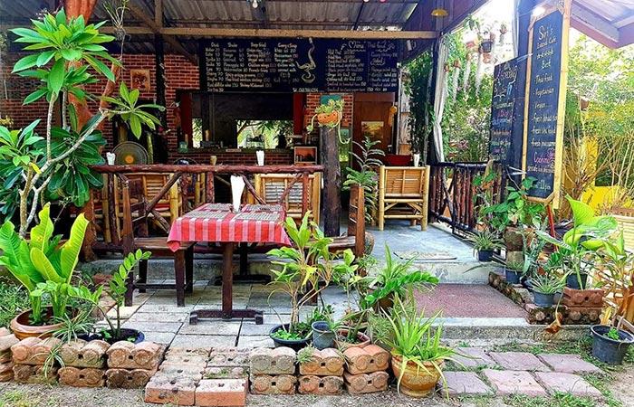 Siri's Island Café