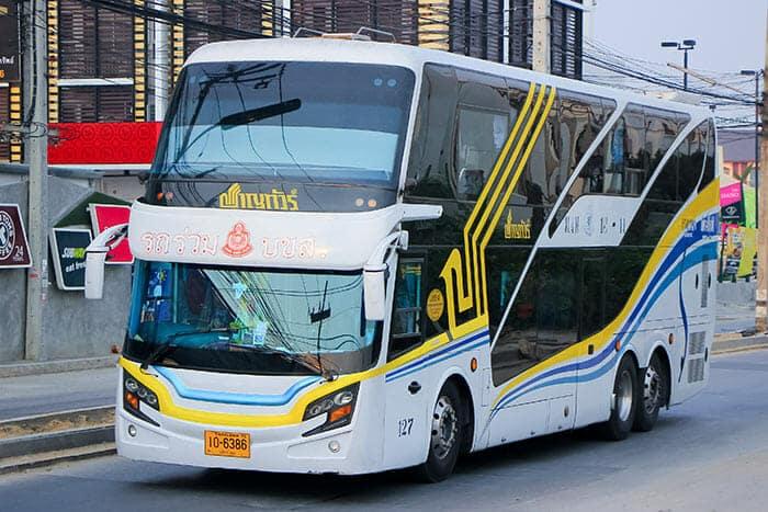 L'autobus da Bangkok a Khon Kaen